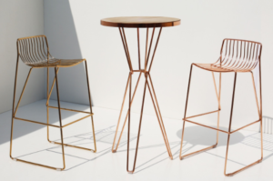 Rose gold electroplated wooden top iron wire bar table and stool set